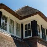 Villabouw Boswitje detail raam eerste verdieping voorgevel