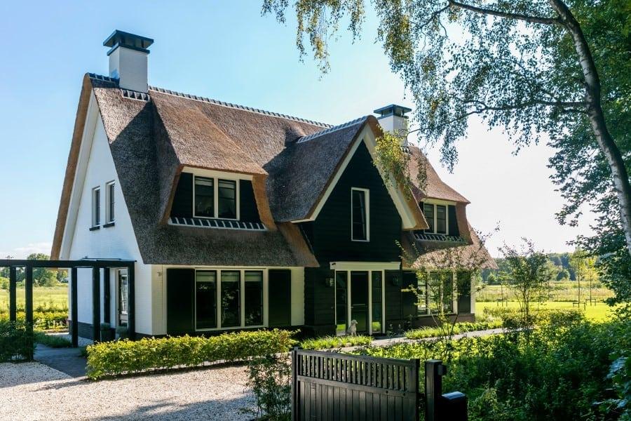 Villa-Koninginnenpage-te-Soestdijk-met-prachtige-entree