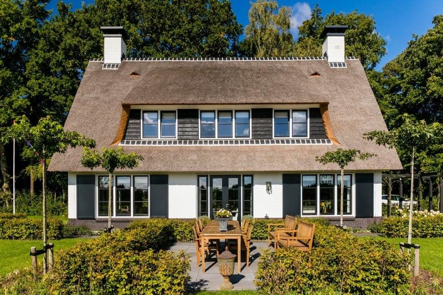 Villa-Koninginnenpage-te-Soestdijk-met-riante-dakkapel