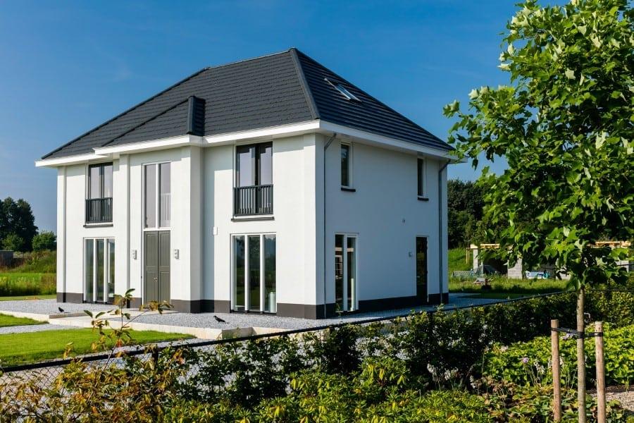 Villa-Lindepijlstaart-te-Arcen-riante-entree